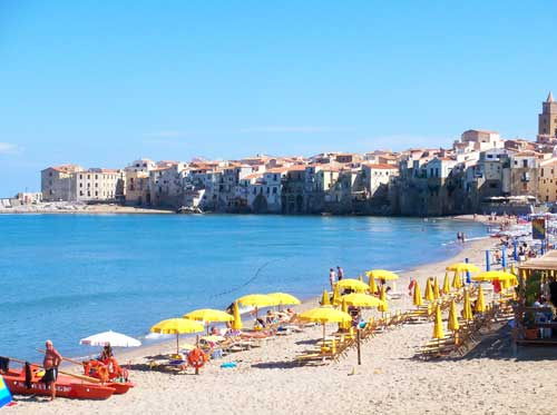 Image of the beach at Cefalu' Sicily